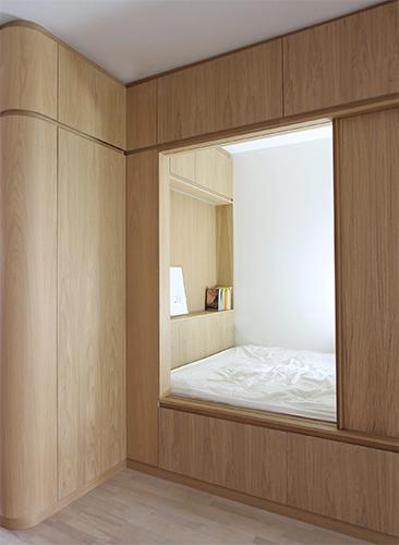 "Curved oak – an ""arrondi"" interior"